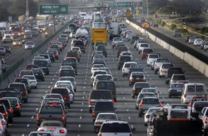 Heavy, slow-moving morning commute traffic on westbound Highway 80 on the second day after the 580 freeway collapse. PHOTO: Mark Costantini / The Chronicle Heavy, slow-moving morning commute traffic on westbound Highway 80 on the second day after the 580 freeway collapse. PHOTO: Mark Costantini / The Chronicle